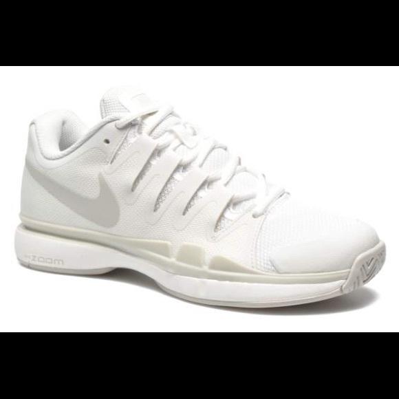 NWT Nike women's zoom vapor 9.5 tour shoesSIZE 9.5