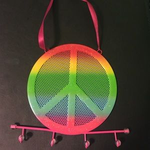 Peace sign earring holder