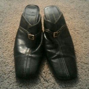 Black clog dress shoes with heel