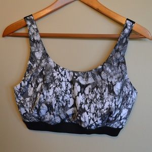 Forever 21 Plus Size Marbled Sports Bra