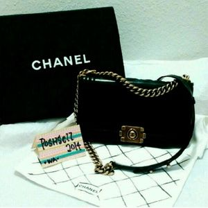 Auth CHANEL Le Boy Patent Flap Bag