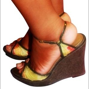 Oriental green red floral wedge ankle strap sandal