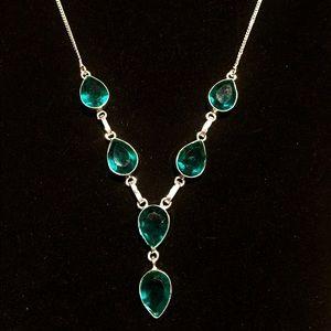 Stunning green apatite statement necklaceNWOT.