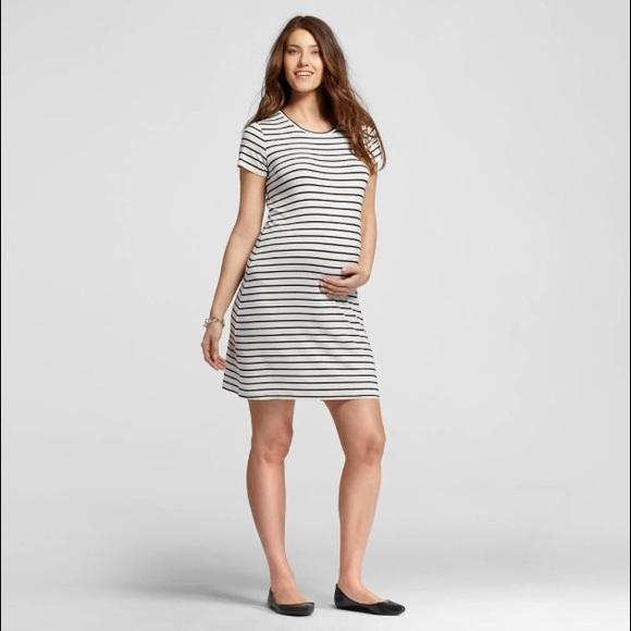 f8a2fb0d5c8 Liz Lange Dresses   Skirts - ✨SALE✨Liz Lange Target Striped Maternity Dress