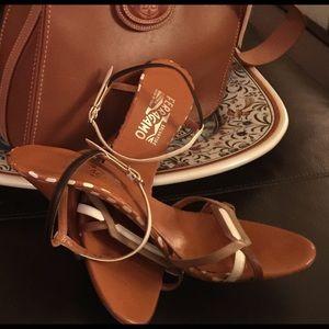 Salvatore Ferragamo heels Sz 8  1/2 R