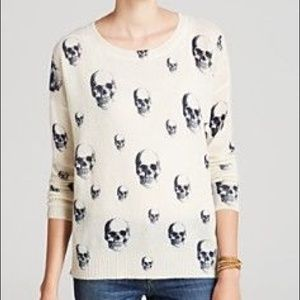 Skull Cashmere cream with navy skulls