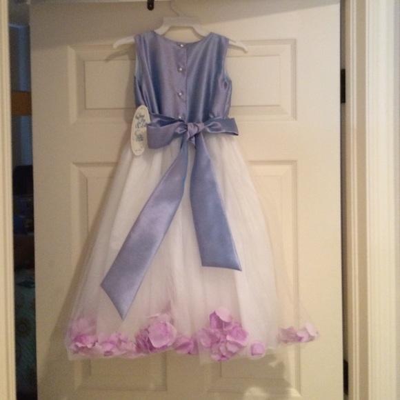 32b7d19092b Lovely Flower Girl Dress. Lavender Shantung Tulle.