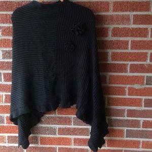 Sweaters - ⏰SALE Sweater poncho; rose & ruffles