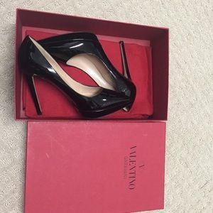 Valentino Shoes - Patent leather pumps