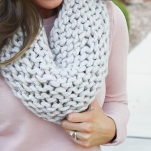 Zara Accessories - ZARA Snood Chunky Knit Scarf