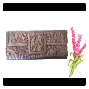 Jessica McClintock Handbags - 🎀 Jessica McClintock Bronze Clutch