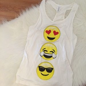 Tops - Heart Eyes Emoji Tank