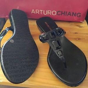 Arturo Chiang Shoes - NIB Black flat thong rhinestone sandal beach 9.5 M