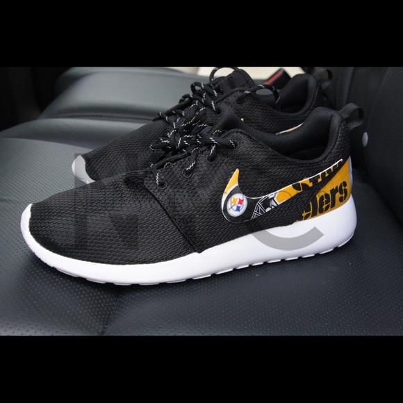 sale retailer ea189 2ddf1 Pittsburgh Steelers Nike Roshe One Custom Men