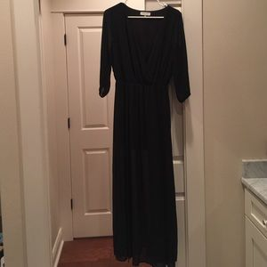 (PRICE⬇️) Black maxi dress
