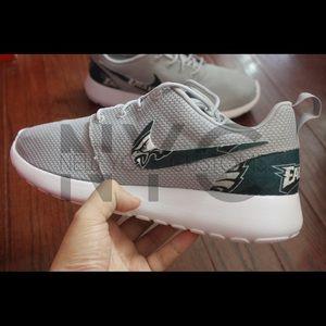 81c1a738a7522 Philadelphia Eagles Nike Roshe One Custom Men NWT