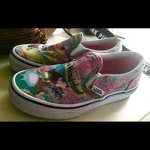 865fc417c8 Vans Shoes - Girls Disney Alice   Wonderland Vans Sz 12.5