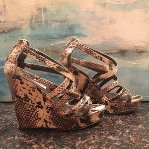 Steve Madden strappy sexy faux python wedges!