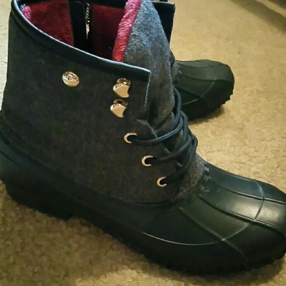 81f04583333c06 Tommy Hilfiger Roan Duck Boots. M 57a4baf9fbf6f9a5b300509f