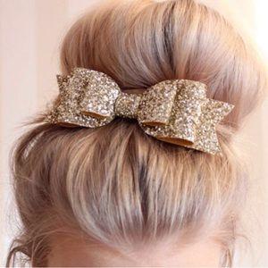 Accessories - 🎉 HOST PICK 🎉 Glam Glitter Hair Bow Super Cute.