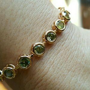 Jewelry - NWOT - Peridot bracelet, 18k GF