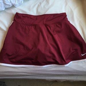 Nike dri-fit maroon tennis skirt