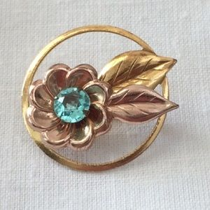 Jewelry - Beautiful Vintage Floral Brooch