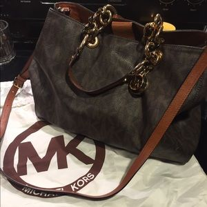 Hot SALE !! Authentic Michael Kors leather bag