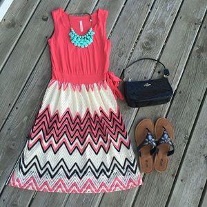 Dresses & Skirts - Coral chevron print flare tunic dress