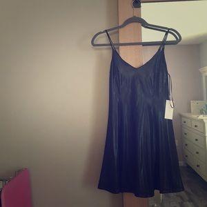 ASTR Dresses & Skirts - ASTR BLACK DRESS