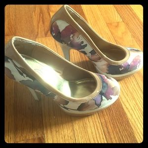 Baby Phat Shoes - Floral Pumps
