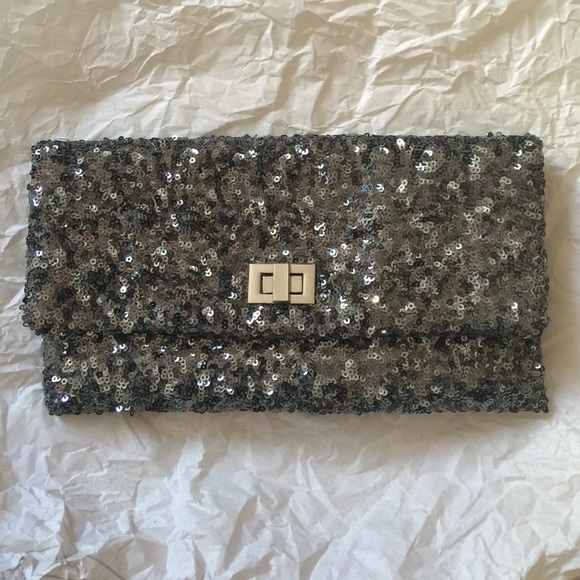 Handbags - 💎sparkly clutch💎