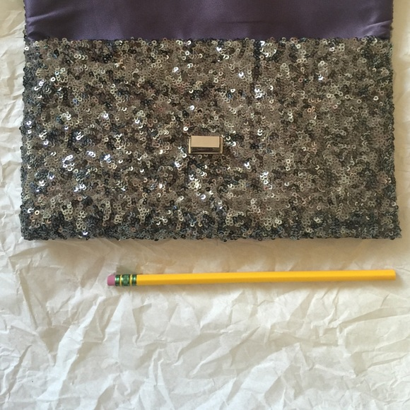 Bags - 💎sparkly clutch💎