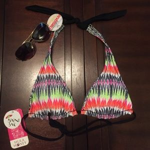 Hula Honey Other - 👙NEW Hula Honey Reversible Print Triangle Top