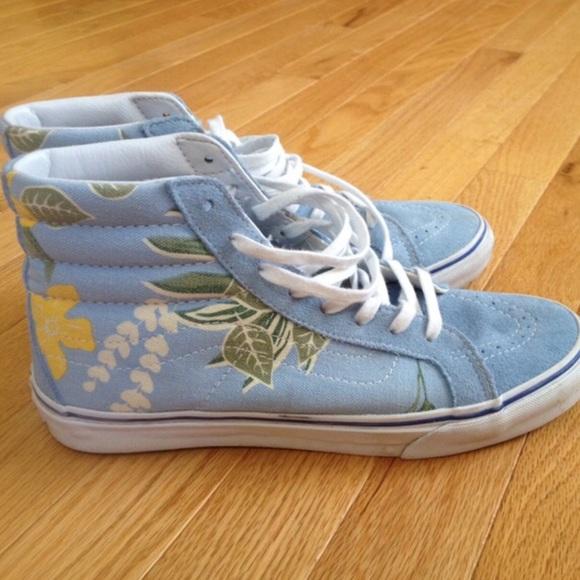 c467fd145612 Blue Floral High Top Vans. M 57a552af620ff7dd940054c2