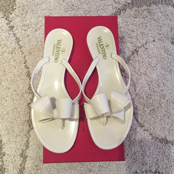 7d81d45c206c5 Valentino Couture Bow Jelly Thong Sandals. M 57a554747f0a054144005aff