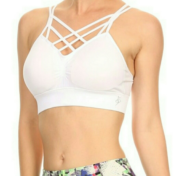 24d4a341406ee Front strappy criss-cross sports bra
