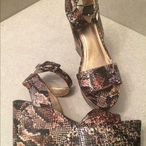 BCBGeneration Black/Brown Snake Wedges 7M Shoes