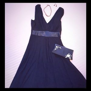 Jessica Howard Dresses & Skirts - Black dress - perfect for any occasion