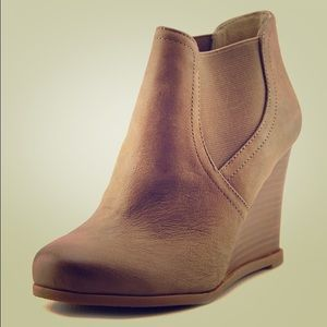 NWOT Tan Wedge Booties
