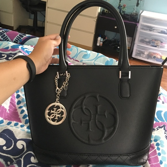 GUESS Handbags - Guess Black Medium tote 00a4cd7bce591