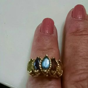 Jewelry - 5 stone and gold ring