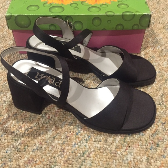 Mudd black dress sandals