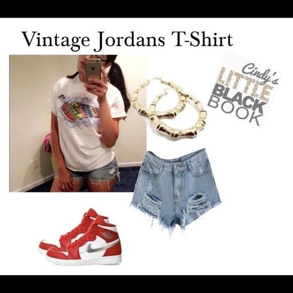Nike Tops - 👞 Vintage Jordans T Shirt 👞