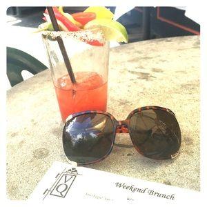 🕶 Large frame sunglasses