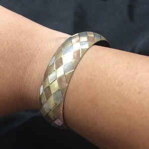 Jewelry - Gold tone ribbon bracelet [JW-69]