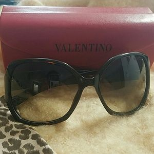 Valentino Accessories - Sunglasses