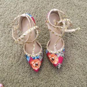 Shoes - Floral studded pumps