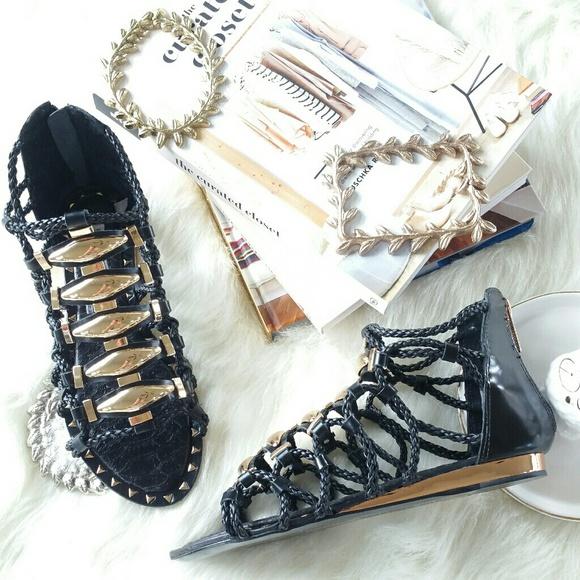 8af245e0c8f IVY KIRZHNER brass black gladiator sandals ⬇ ⬇ ⬇️