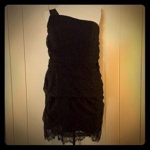 Central Park West Dresses & Skirts - 🎁🎉 NEW Central Park West Lace One Shoulder Dress